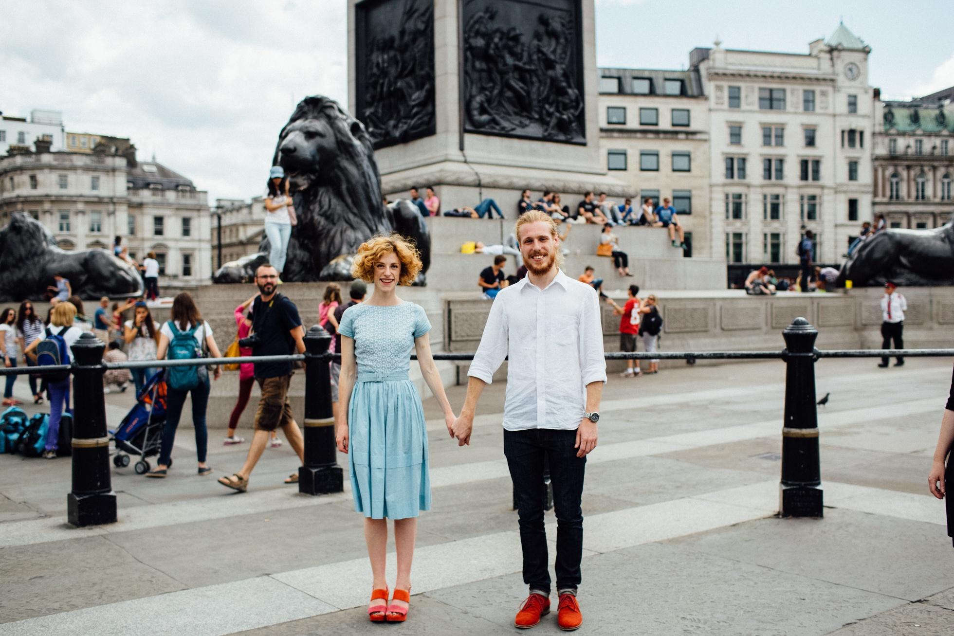 engagement photography london trafalgar square photoshoot