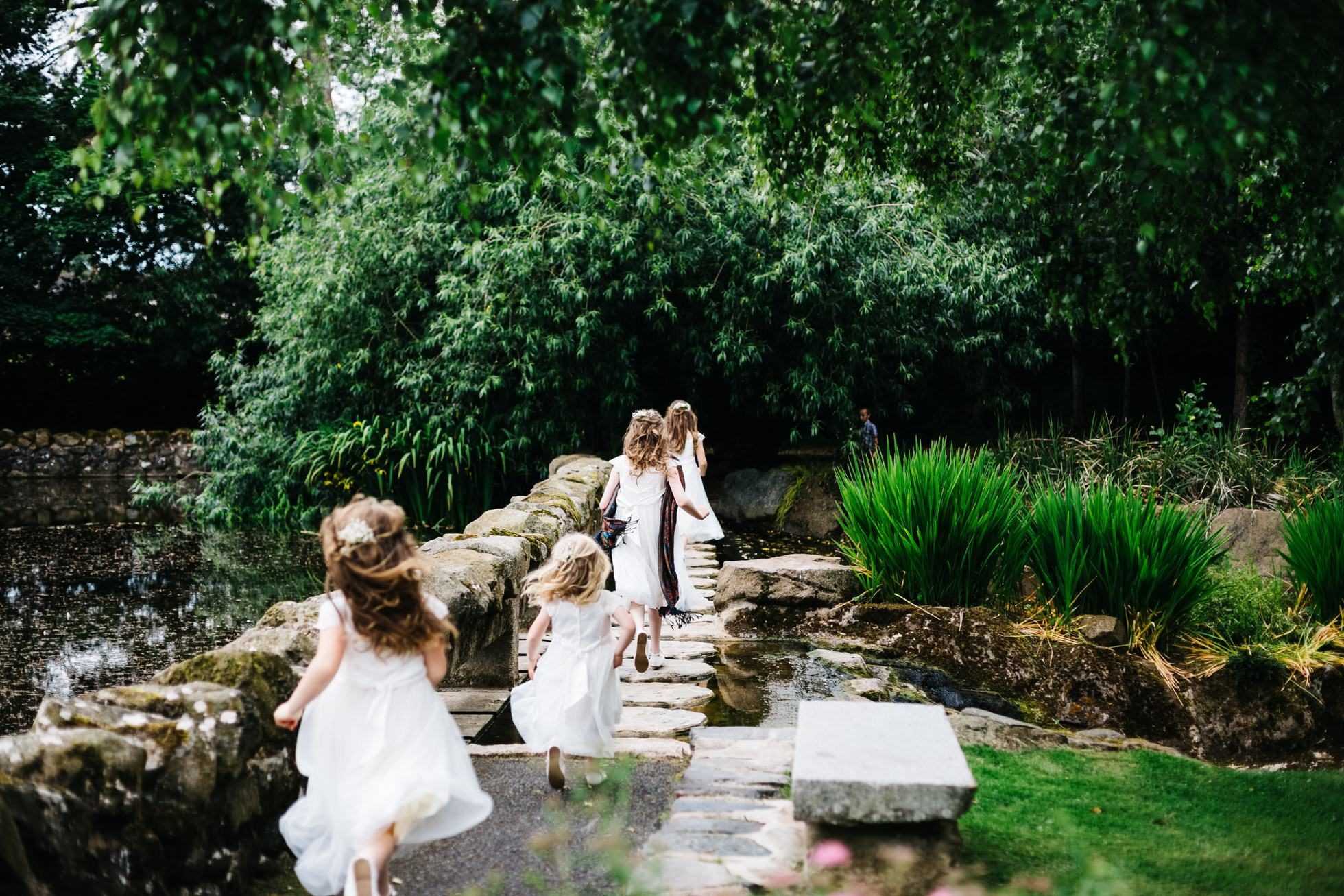 wedding photographer northern ireland, flower girls