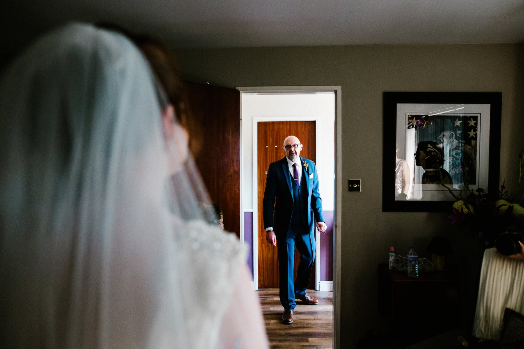 father of the brides see her for the first time