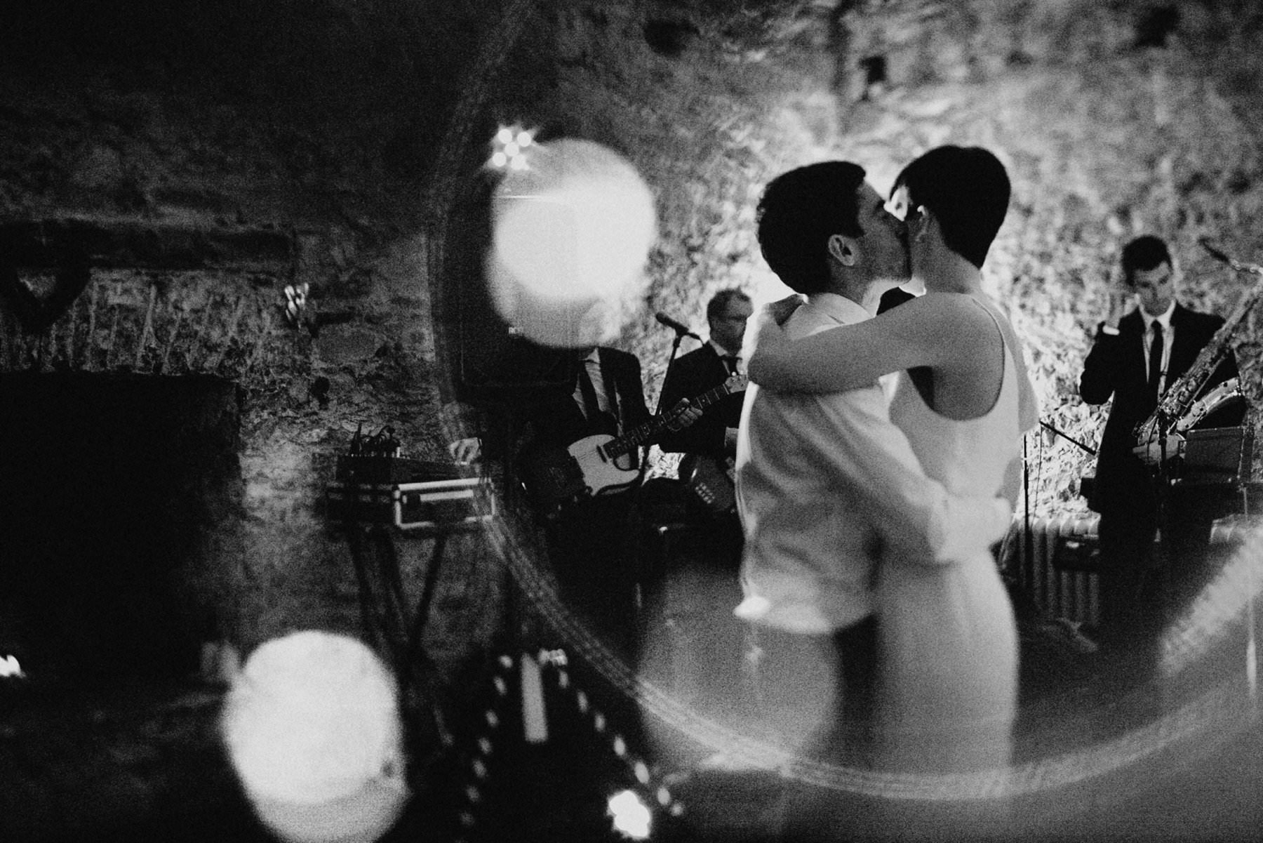 irish wedding photographer based in Belfast northern ireland