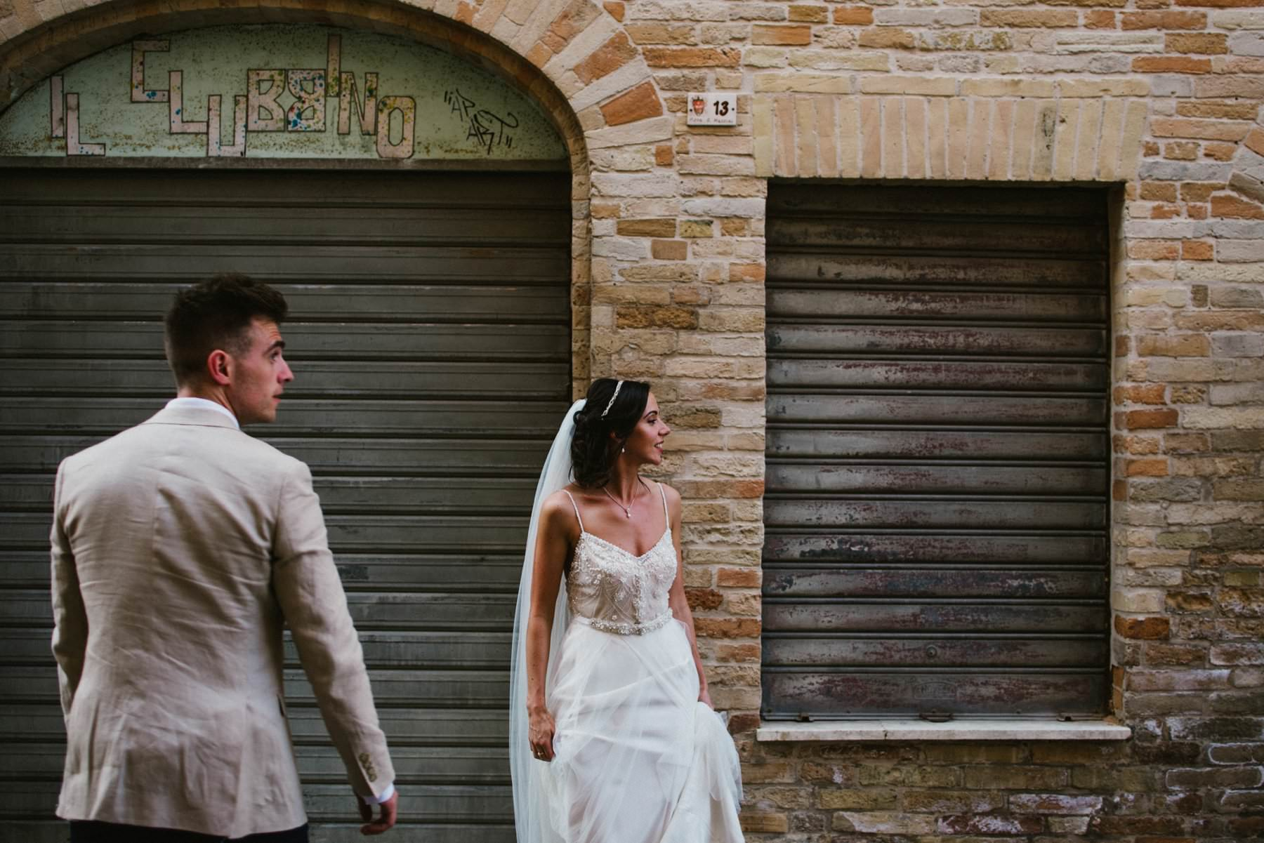 destination wedding photographer petritoli italy